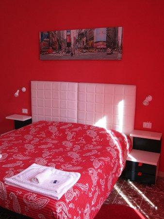 2 Passi al Colosseo B&B : Corallo Room
