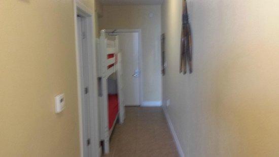 Tidewater Beach Resort: hallway