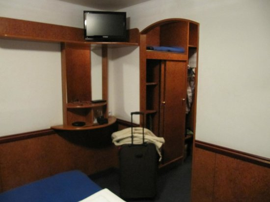 Botel Admiral: room