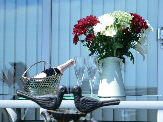 Claddagh Bed and Breakfast: The Patio