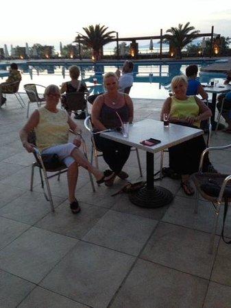 Beach Club Aphrodite : evening by the pool
