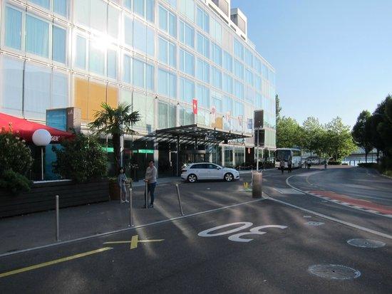 Radisson Blu Hotel, Lucerne : Hotel building