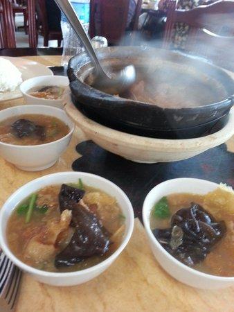Hakka Zhan Restaurant: Herbal mutton stew which herbal taste is just right