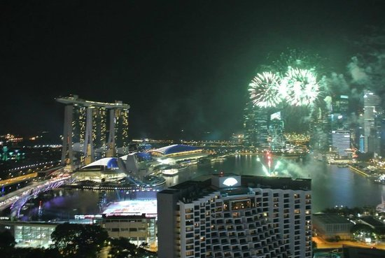 Pan Pacific Singapore: Firework on NDP rehearsal. OMG!!!