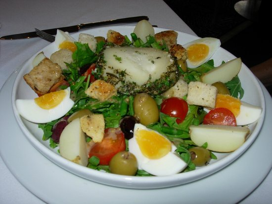 Grand Cafe : Goat's cheese & Nicoise salad