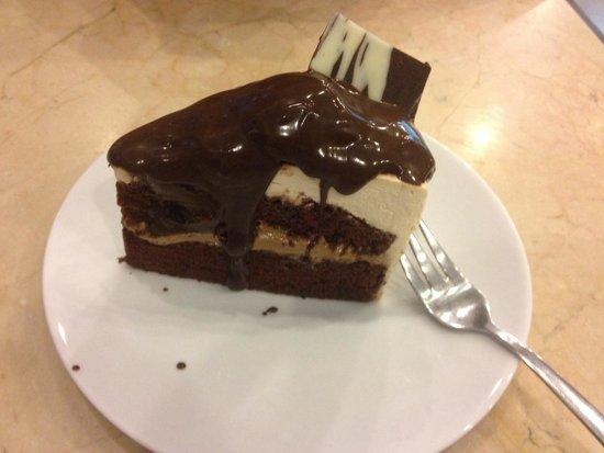 Mousses & Meringues: Vienna mocha cake. Really good!!!!