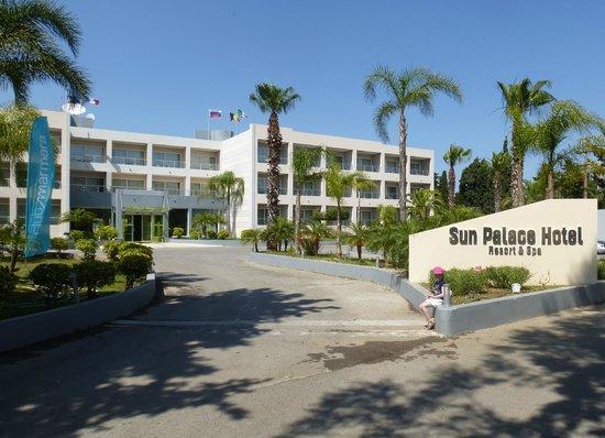 Sun Palace Resort & Spa: facade hotel