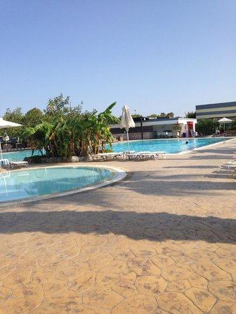 Sun Palace Resort & Spa: espace piscine
