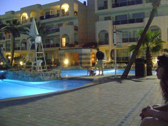 TUI Family Life Alcudia Pins: pool area