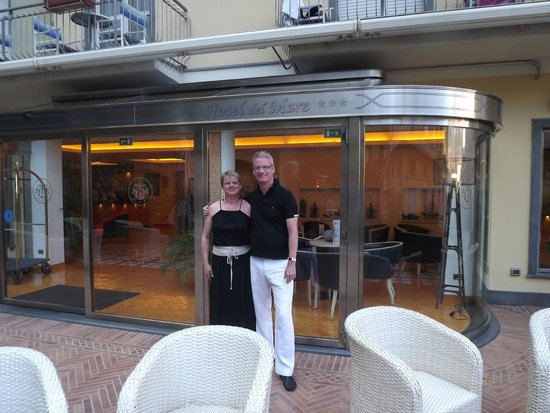 Hotel del Mare: Me and my husband at the entrance to the hotel