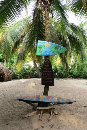 Costeno Beach Surf Camp: Sign