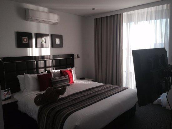 Meriton Suites Broadbeach: Bedroom.