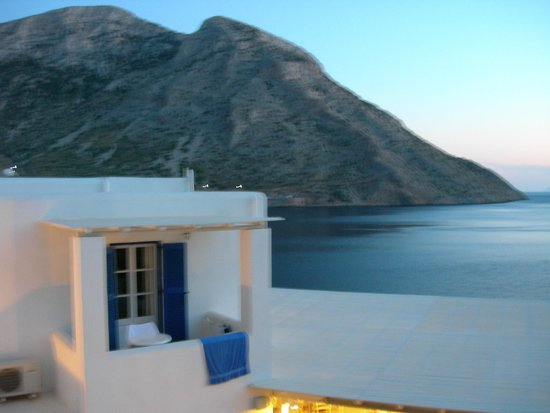 Delfini Hotel Sifnos: View from balcony showing part of hotel