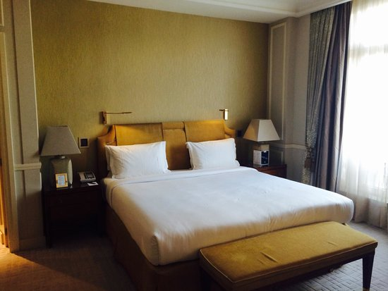 Hotel Le Plaza: Bed
