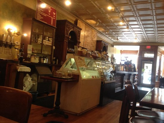 Michelle's Cafe : Beautiful back bar for a coffee shop
