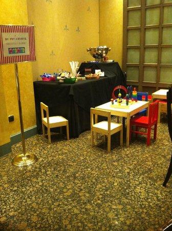 Palafox Hotel : colazione - angolo bimbi