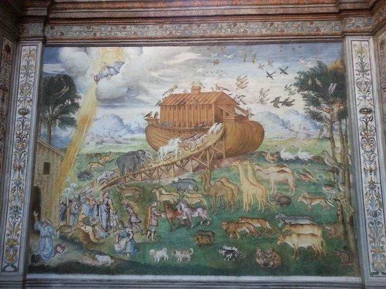 Chiesa di San Maurizio al Monastero Maggiore : Noah's Ark painting - interesting for children.