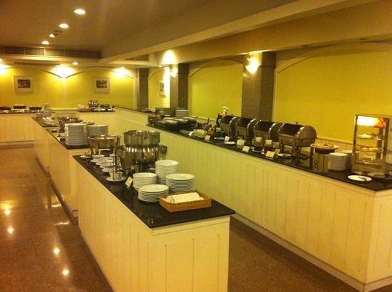 ibis Styles Bangkok Khaosan Viengtai : le buffet du petit-dejeuner, au top !