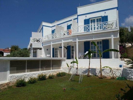 Mavi Beyaz Hotel: Otel Görünümü
