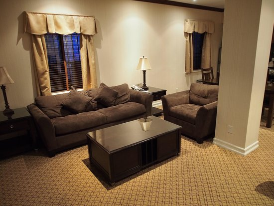 Radio City Apartments: Loungeroom