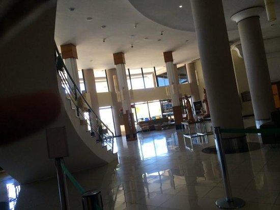 Quality Hotel Aracaju: Hall
