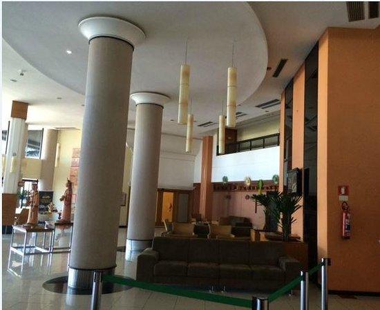 Quality Hotel Aracaju: Hall hotel