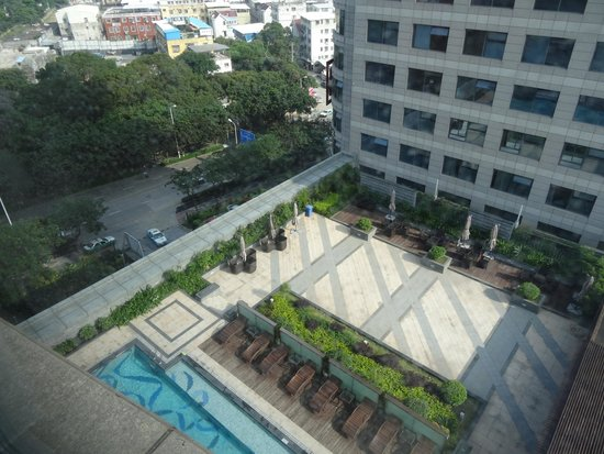 Days Hotel and Suites Mingfa Xiamen: Вид из номера