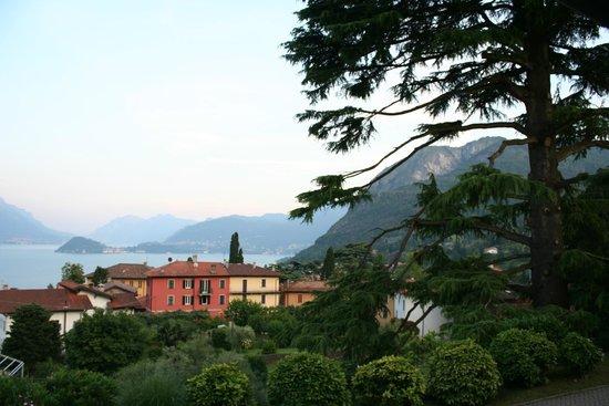 Pizzeria CO.RI: View over Lake Como