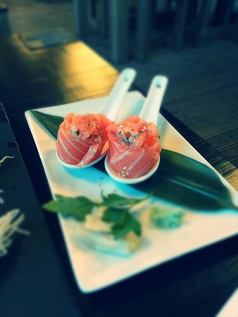 Miyama : gunkan spicy salmon