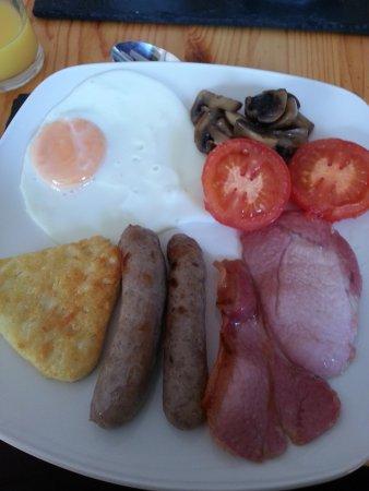 Pitcairn House: breakfast