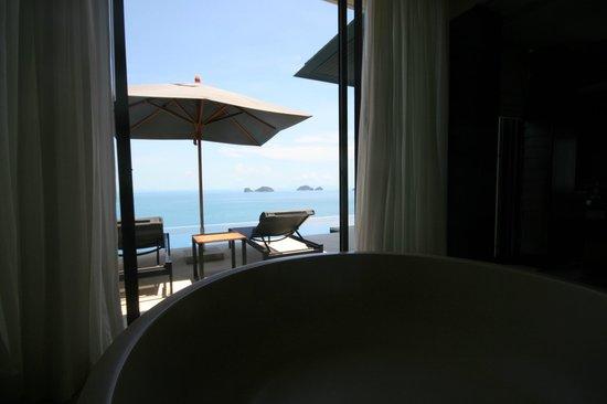 Conrad Koh Samui: 部屋のバスタブからの眺め
