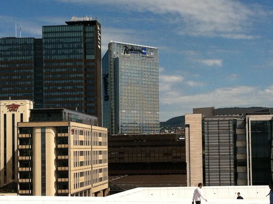 Radisson Blu Plaza Hotel, Oslo: View of hotel from Opera House