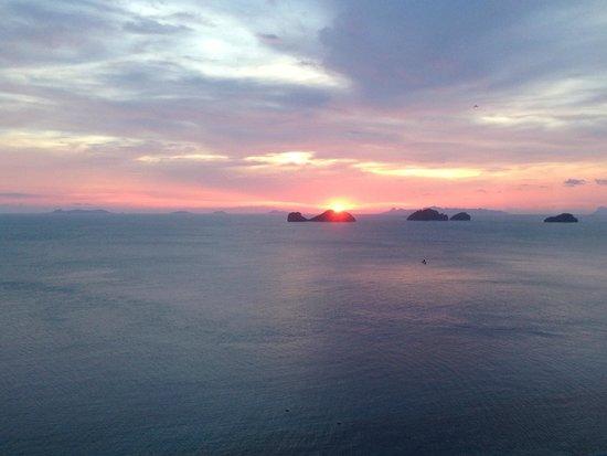 Conrad Koh Samui : 部屋から望む夕陽
