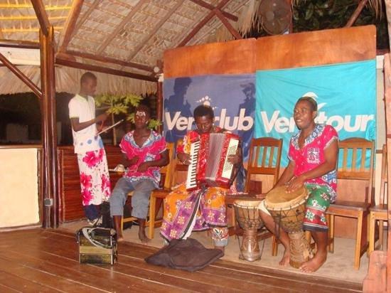 Orangea Village : gruppo locale