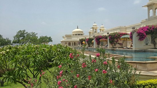 The Oberoi Udaivilas: Front rooms