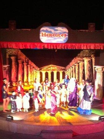 Veraclub Queen Sharm: spettacolo serale