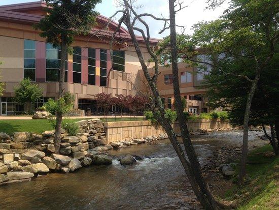 Harrah's Cherokee Casino Resort: Outdoors