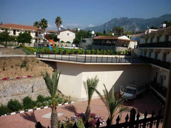 Riverside Garden Resort: View from balcony