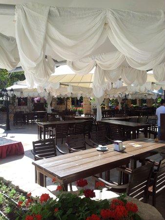 WOW Topkapi Palace: Spezialitätenrestaurand am Abend mit Tischreservation