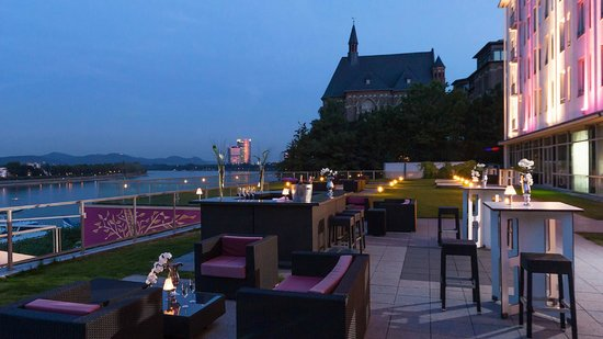 ameron hotel koenigshof terrasse nacht bild von ameron. Black Bedroom Furniture Sets. Home Design Ideas