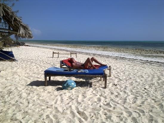 Mbuyuni Beach Village: spiaggia