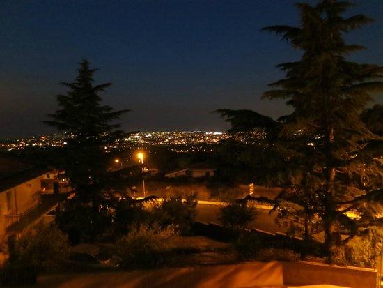 Etna Royal View: Uitzicht op Catania