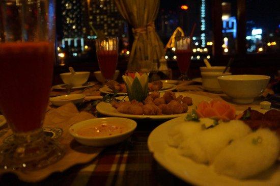 Bonsai River Cruise - Dinner Cruise : Saigon River Cruise