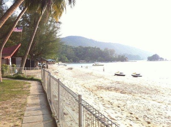 Bayview Beach Resort: Batu Ferringhi beach next to the Bayview