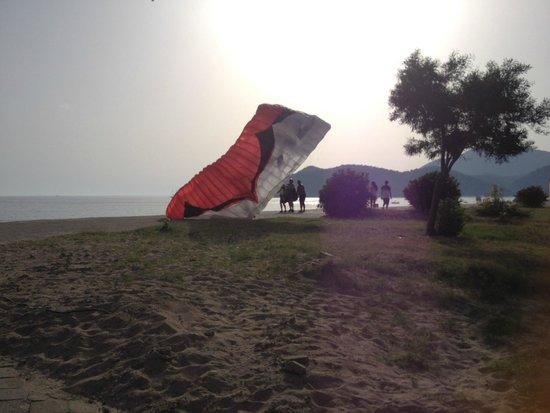 NOA Hotels Oludeniz Resort Hotel: Gleitschirm-Landeplatz am Strand
