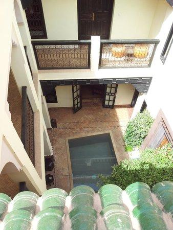 Dar Silsila: Vue d'une terrasse d'une des 2 cours