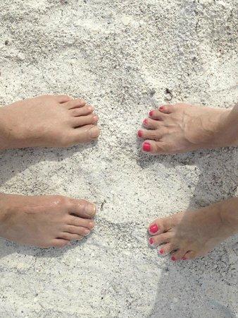Tropical Breeze Beach Club : We like the sand.