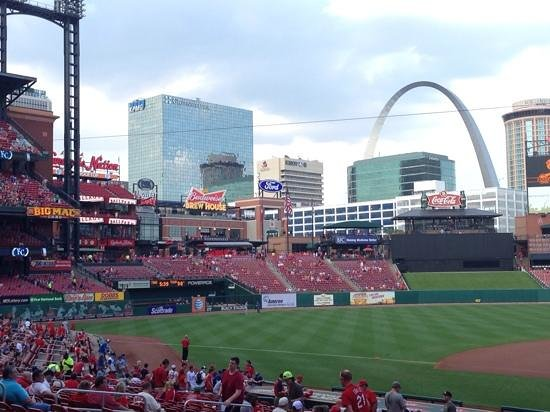 Busch Stadium: Cardinal's Game