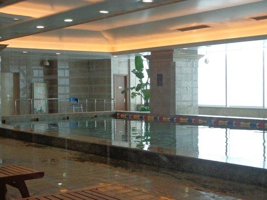 Grand Central Hotel Shanghai: Piscina coberta