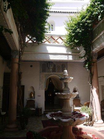 Riad Palais des Princesses: Courtyard